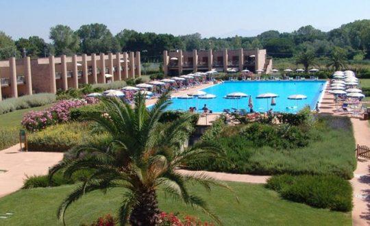 Cosmopolitan Resort Tirrenia - Toscana.nl