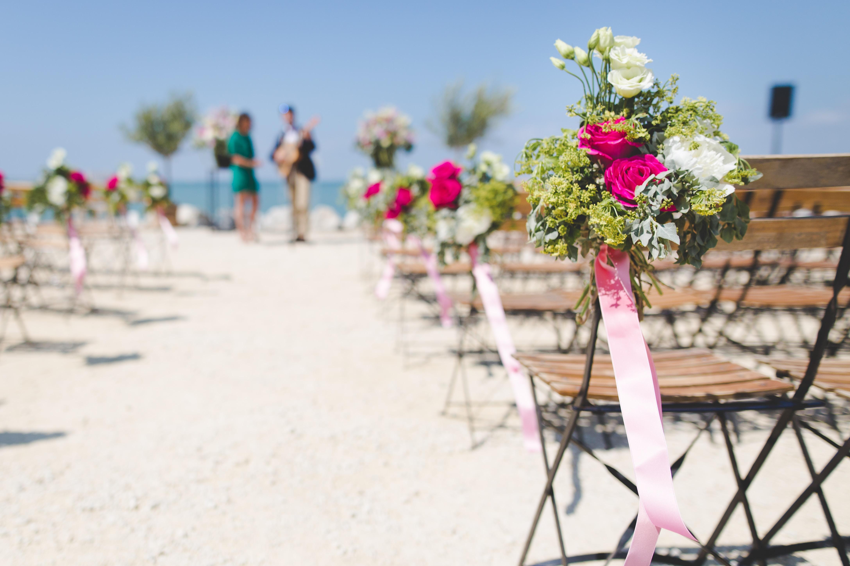 trouwen op het strand - bijzonder trouwen in Toscane