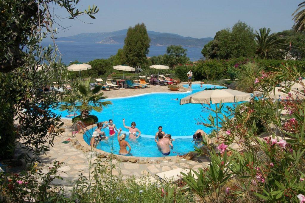 Het Zwembad van Villaggio Turistico Innamorata
